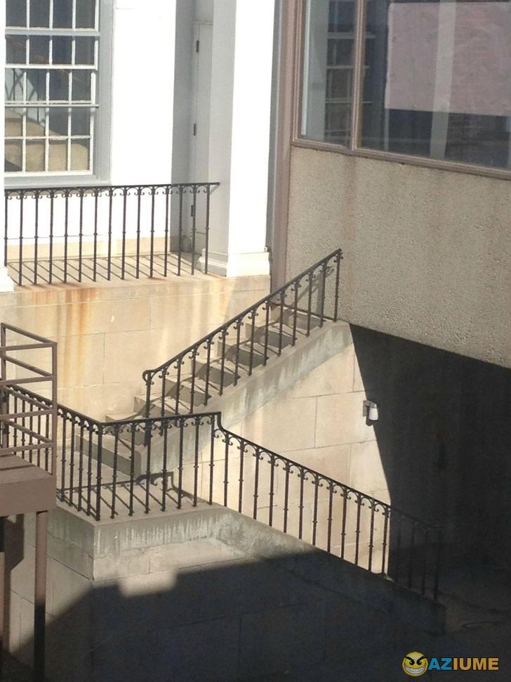 Será que neste lugar as escadas mudam de posição, assim como em Hogwarts?