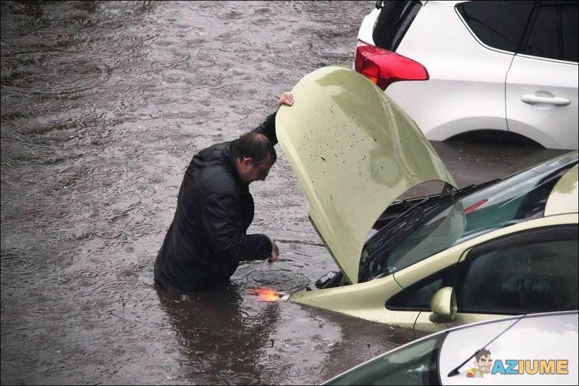 Acho que o problema é água no motor