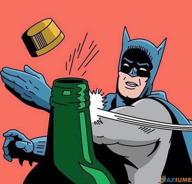 Batman realiza o desafio da tampa da garrafa