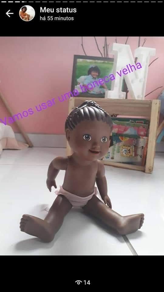Tutorial de como fazer a filha feliz usando uma boneca velha