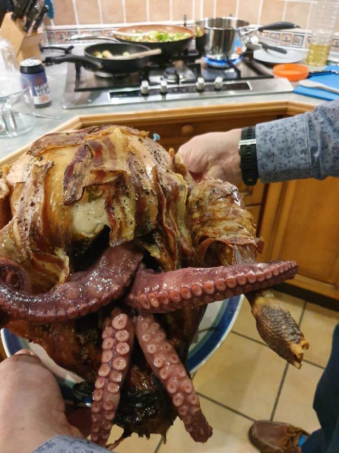 O peru Cthulhu é um prato americano esquisito: é um peru recheado com polvo